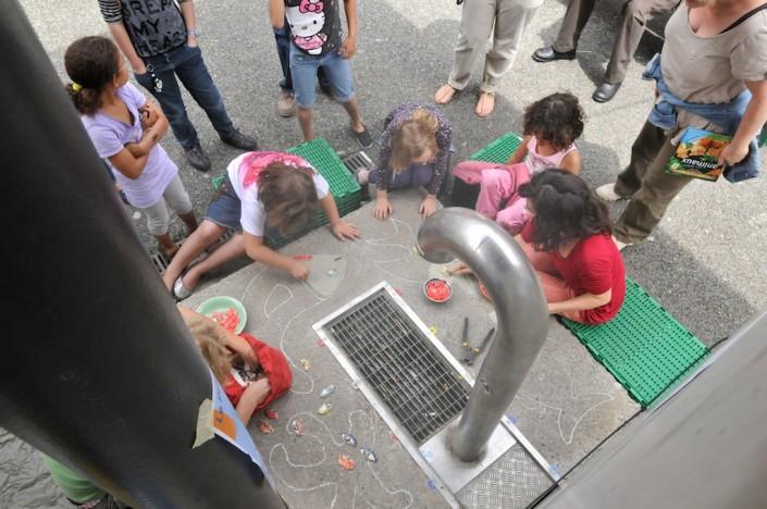 201106_vav_genets_mosaique_banc_fontaine-_19