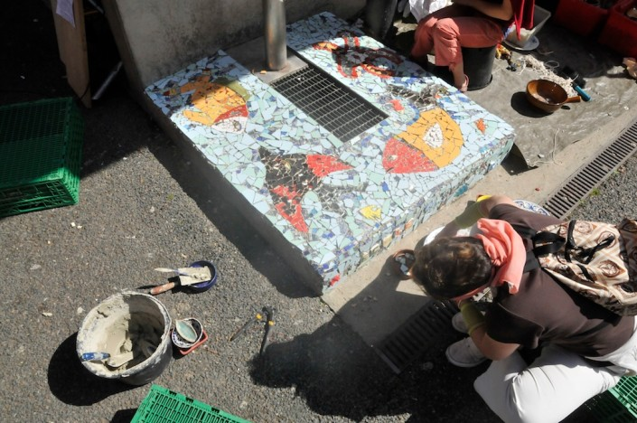 201106_vav_genets_mosaique_banc_fontaine-_30